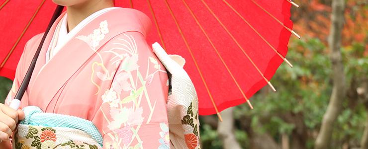 京都の風情に合う着物美人