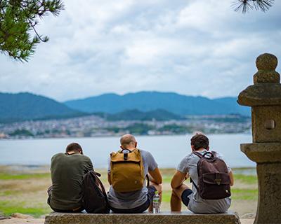 宮島に訪れた外国人観光客